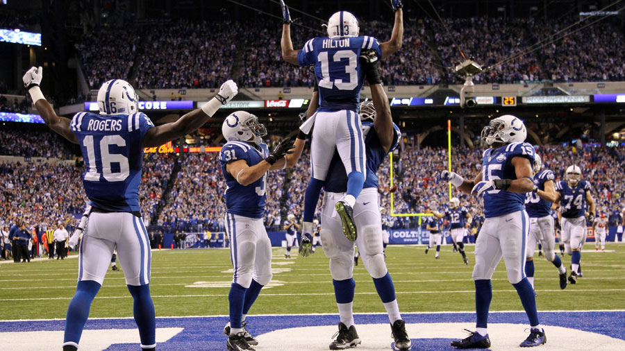 The-Colts-will-face-the-Dolphins